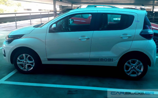 Novo Fiat Mobi Like 2017 - perfil