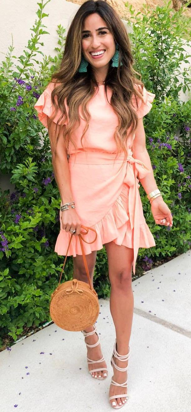 fashion trends / ruffle dress + round bag + heels