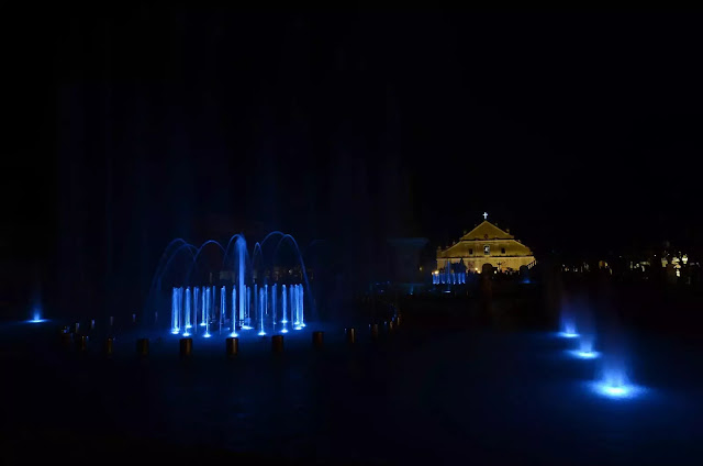 16 Plaza Salcedo Dancing Fountains