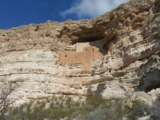 montezuma castle cliff dwellings