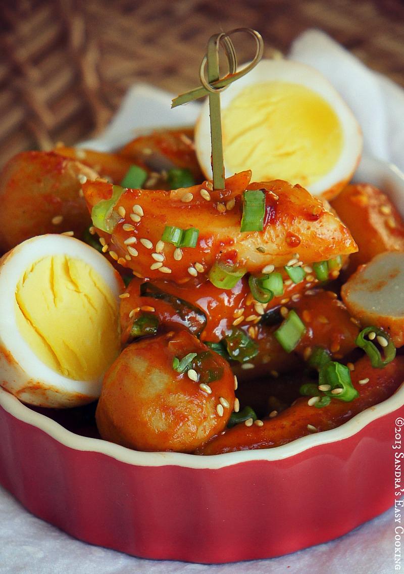Korean Spicy Rice Cakes -Tteokbokki(떡볶이)