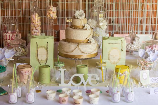 Idee per Sweet Table matrimonio bianco verde oro