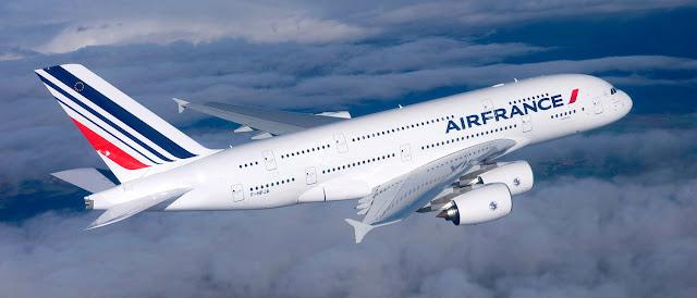 Avion Air France dans le ciel