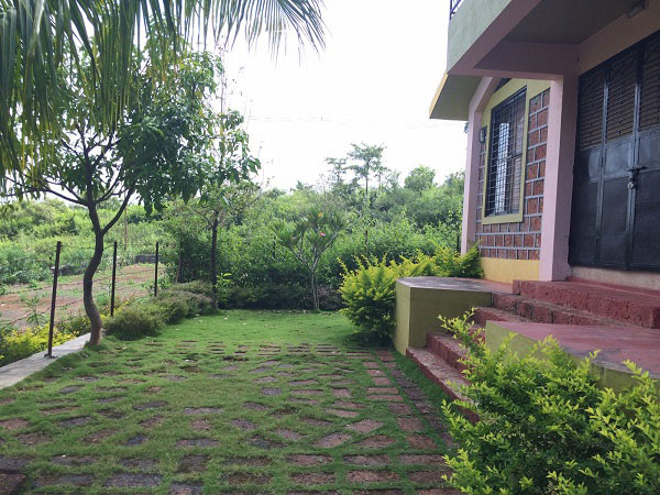 Tourist Places Resorts One Day Picnic Places To Visit Near Pune Mumbai Individual Lake