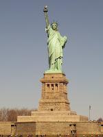 "O Φωτοφόρος Απόλλωνας που έγινε το ""Άγαλμα της Ελευθερίας"" και τα κλεμμένα Ελληνικά σύμβολα"
