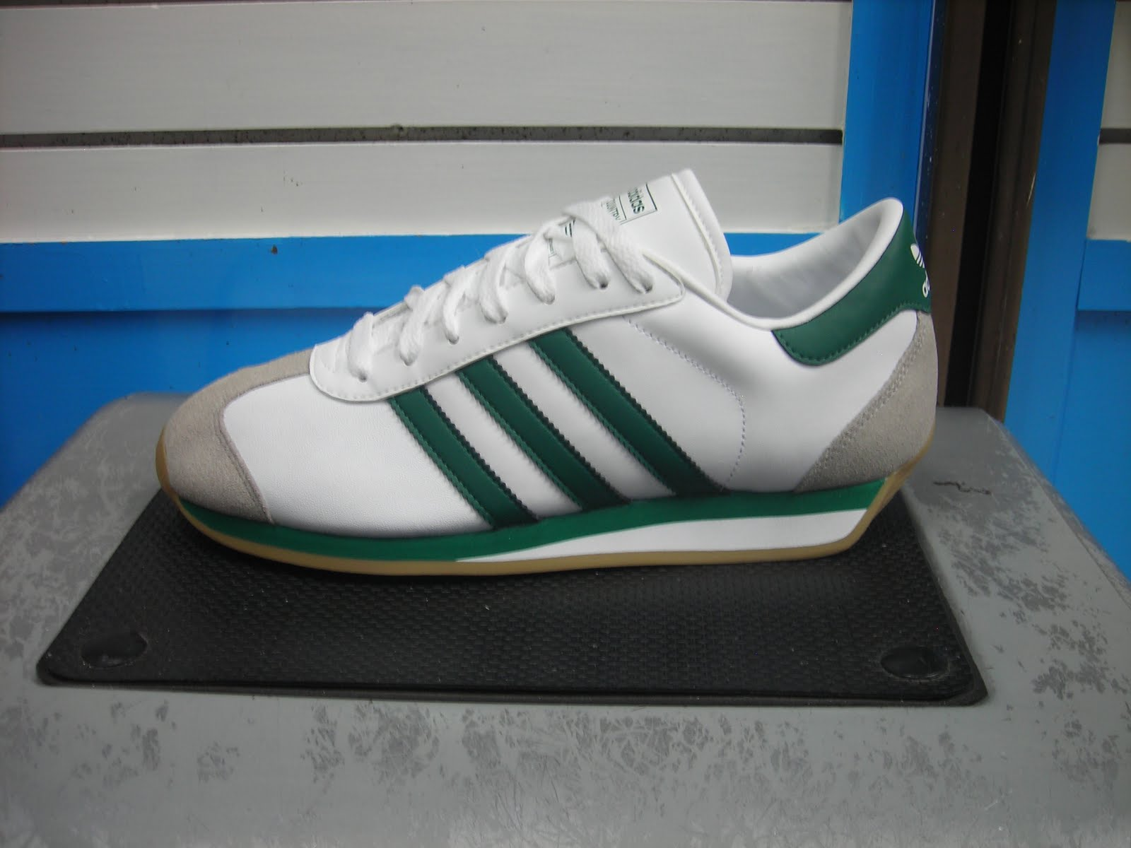sports shoes b666b e6623 Adidas Country raya Verde