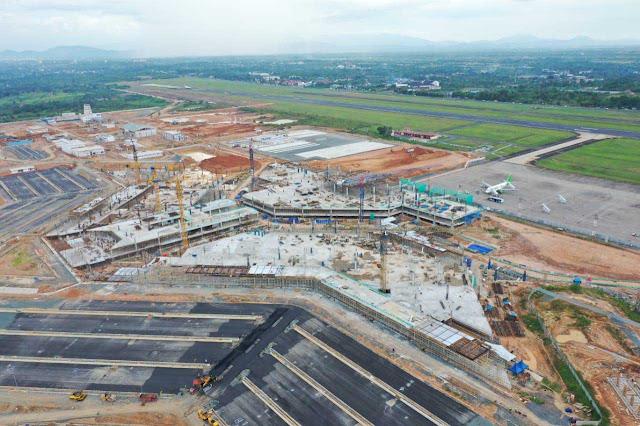 Satker Proyek Pengembangan Bandara Syamsudin Noor bergerak cepat mengejar target pembangunan. Agar proyek perluasan bandara milik Banua dapat rampung sesuai waktu yang diinginkan. Kini, bentuk bandara pun mulai terlihat.