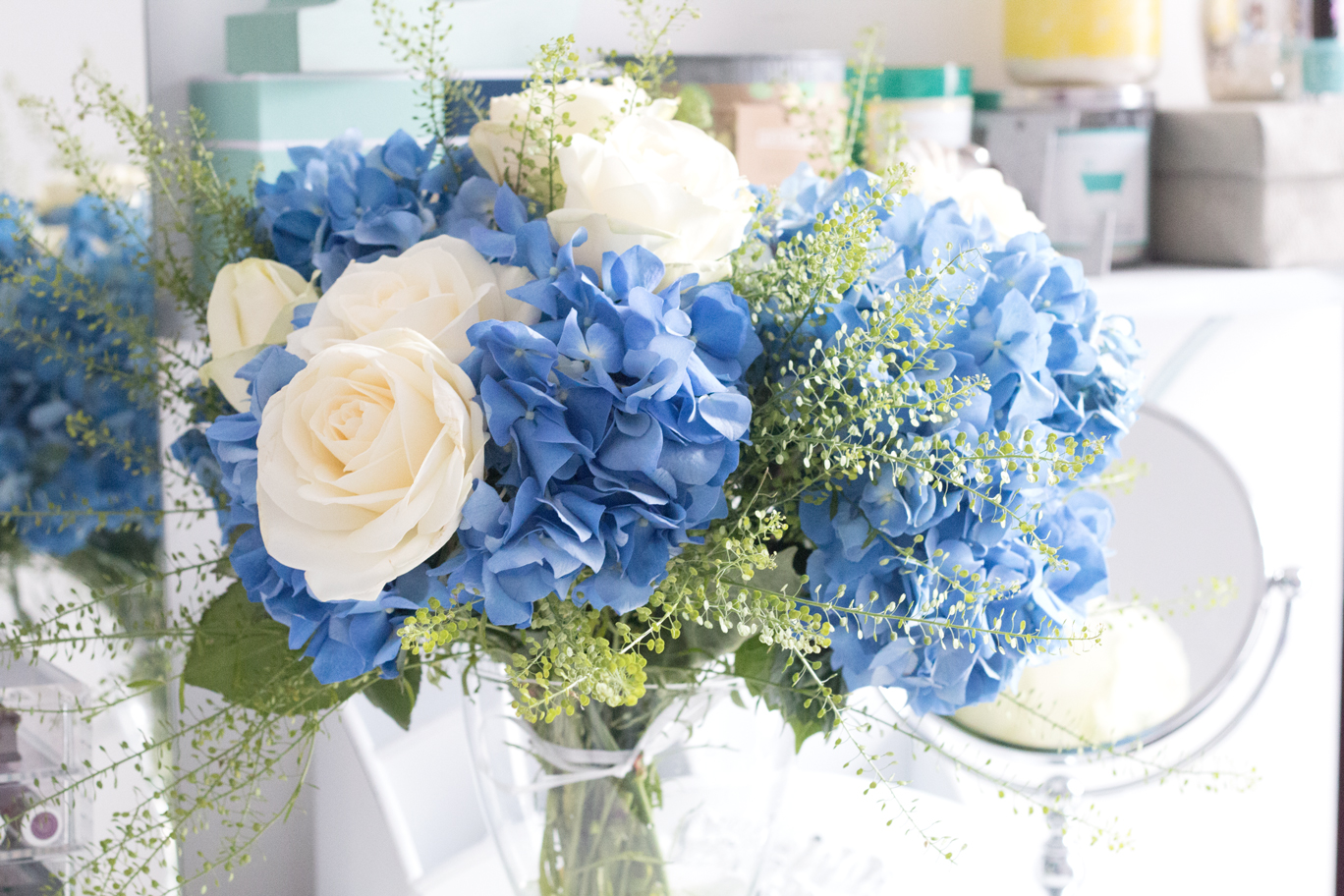 Friday flowers britton loves blossoming gifts are a relatively new company in the uk specialising in week long flower deliveries of any bouquet you choose and their current summer izmirmasajfo
