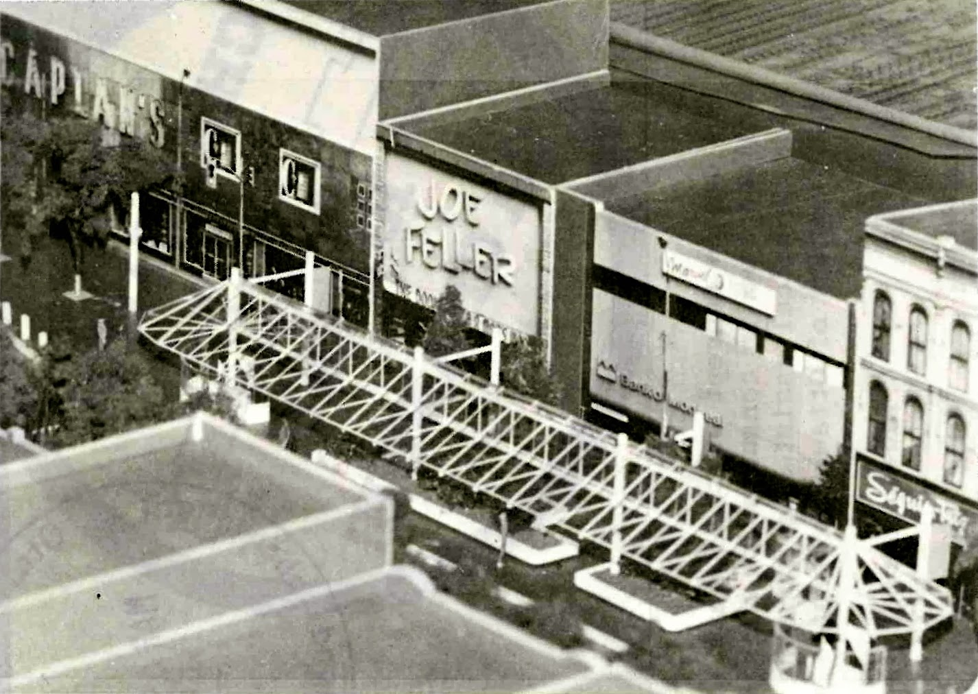 Urbsite: RIDEAU CENTRE HISTORY - Part 6: The TRANSIT MALL