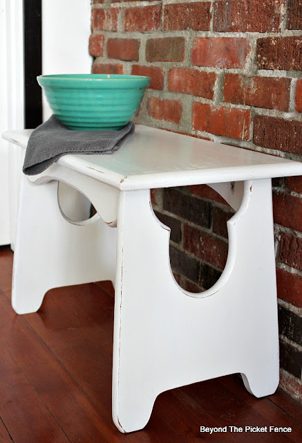 cute stool from the thrift store gets a paint makeover