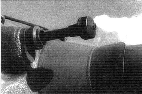 Установка спаренного с орудием пулемета ДШК в маске орудия танка Т-10М