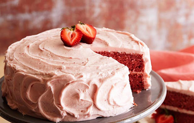 How to Make Strawberry Cake