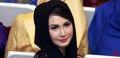Arumi Bachsin, Istri Bupati Termuda dari Trenggalek