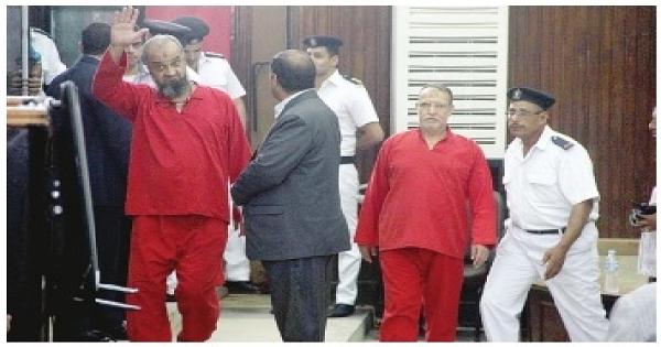 محمد البلتاجى يتهم الداخلية بتعذيبه وتصويره عاريا