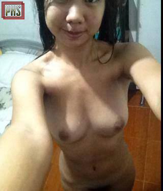nude pinay selfie