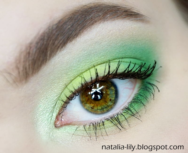 http://natalia-lily.blogspot.com/2014/04/makijaz-soczysta-zielen-oczu-i.html
