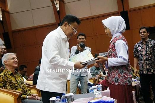 Murid SD Ikon Literasi Sidrap Ini Tampil Membaca di Acara Anugerah Literasi Kemendikbud