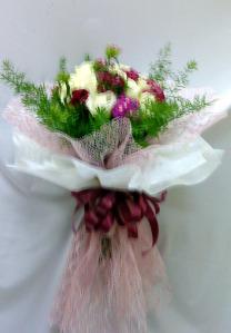 bó hoa giấy tròn viền
