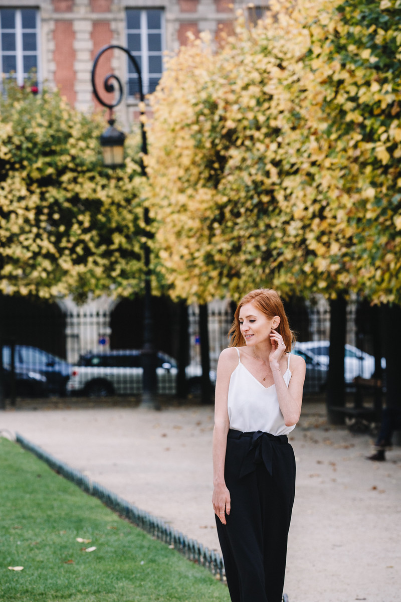 Flytographer Review, Paris, Engagement, Place des Vosges, travel, places,