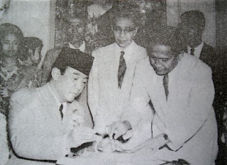 Pembentukan Front Nasional dan MPPR (Musyawarah Pembantu Pimpinan Revolusi)