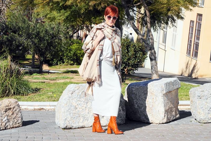 Almamodaaldia - Look Beige