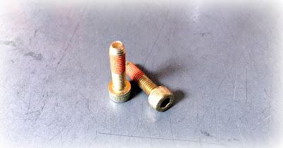 Custom Metric Socket Cap Screws With Zinc Yellow Finish And 1193S Thread Locking Patch - M5 X 0.80M X 16MM In Alloy Steel
