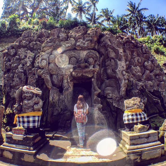 pemandangan goa gajah ubud, gianyar, bali