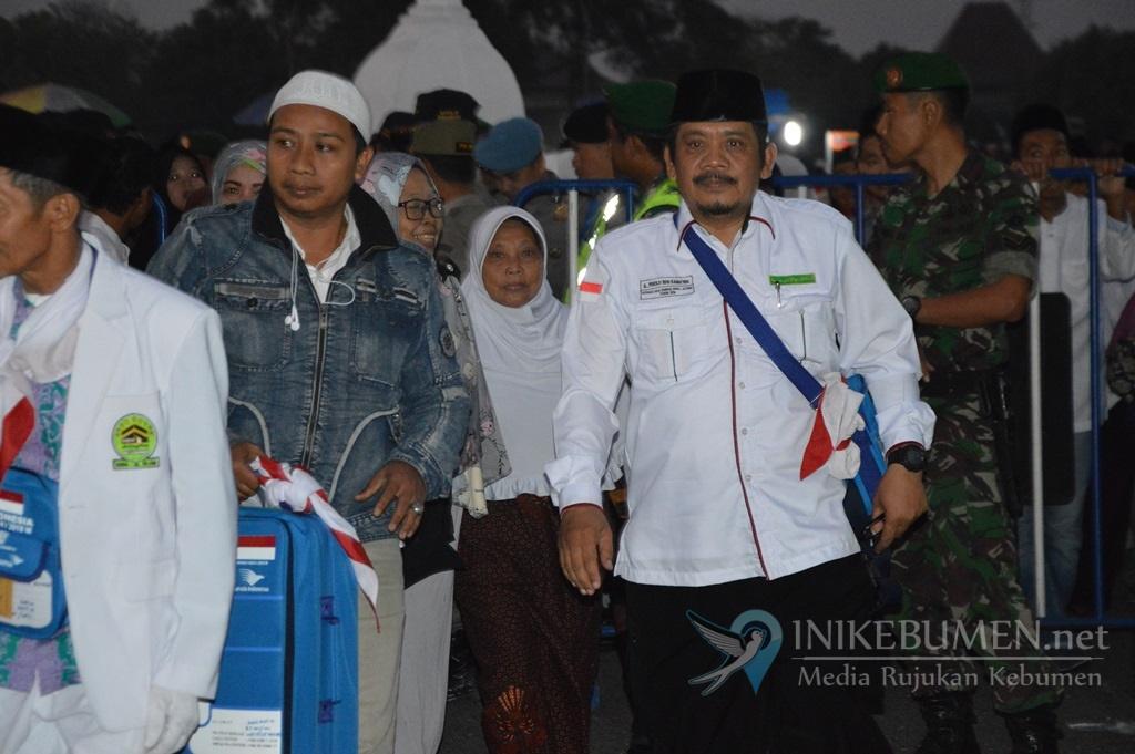 355 Calon Haji Kloter 18 Tinggalkan Kebumen