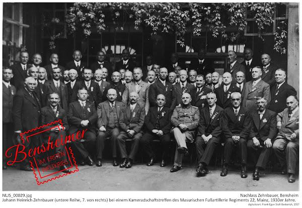 NLJS_00029.jpg; Nachlass Zehnbauer, Bensheim; Johann Heinrich Zehnbauer (untere Reihe, 7. von rechts) bei einem Kameradschaftstreffen des Masurischen Fußartillerie Regiments 22, Mainz, 1930er Jahre, digitalisiert: Frank-Egon Stoll-Berberich 2017 ©.