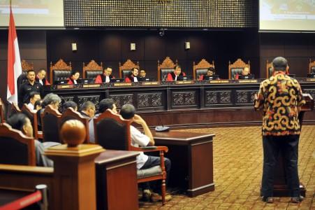 Dasar Hukum, Peranan, dan Macam-Macam Lembaga Peradilan ...