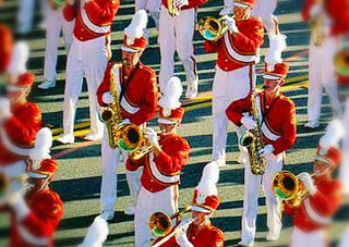 perbedaan-marchingband-dan-drumband.jpg