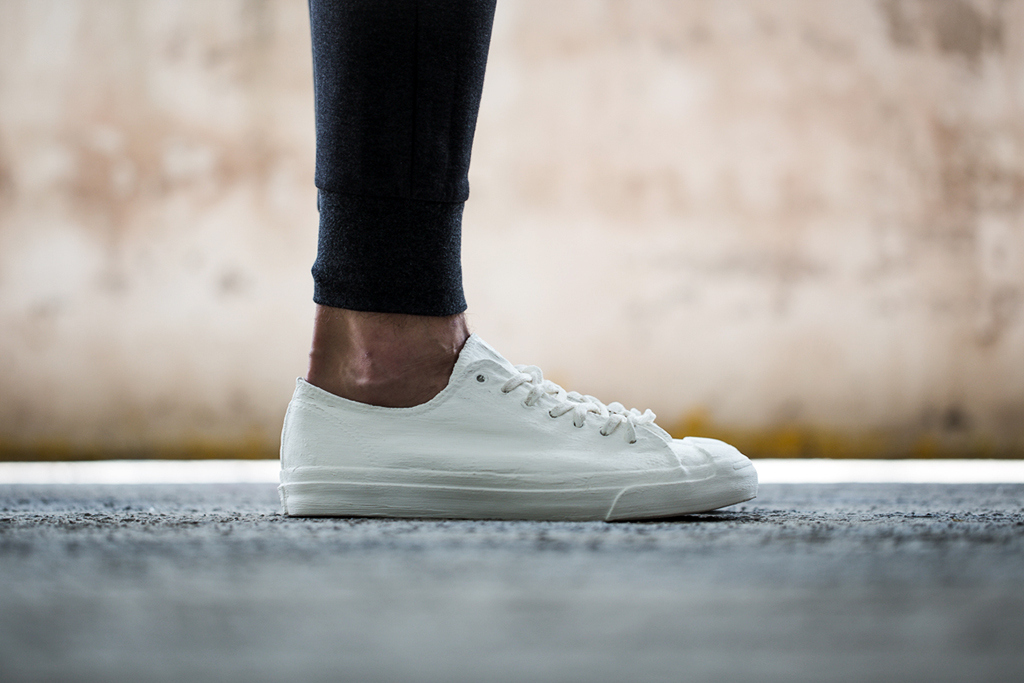 f7c8aef12ff Converse All Star White On Feet offerzone.co.uk