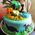 Bolo de Dinossauro e biscoitos no palito deixaram a festa do Tomás mais animada!