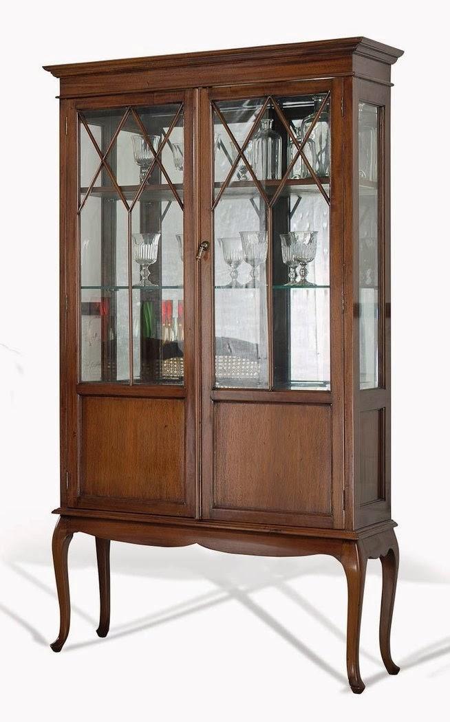 Muebles de comedor 7 vitrinas clasicas en caoba for Modelos de muebles para comedor