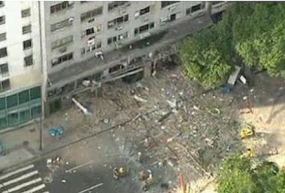 Uma explosão no restaurante Filé Carioca nesta quinta-feira na Praça  Tiradentes 73bd96f8570a9