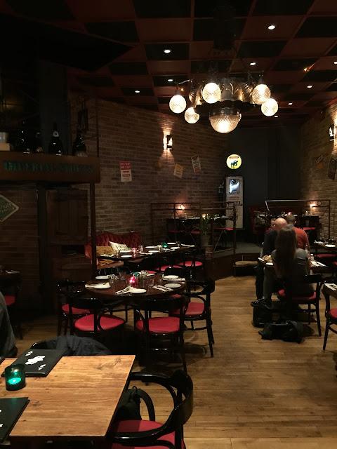 Decoração dentro do bar Akkurat