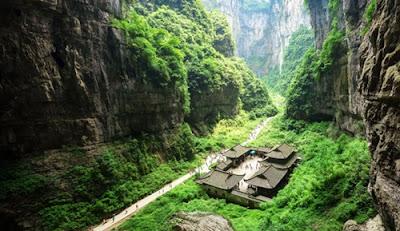 อุทยานแห่งชาติหลุมฟ้า 3 สะพานสวรรค์ (Three Natural Bridges: 天生三橋) @ www.chinadiscovery.com