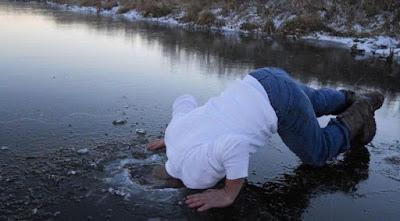 gambar kepala masuk es lucu banget