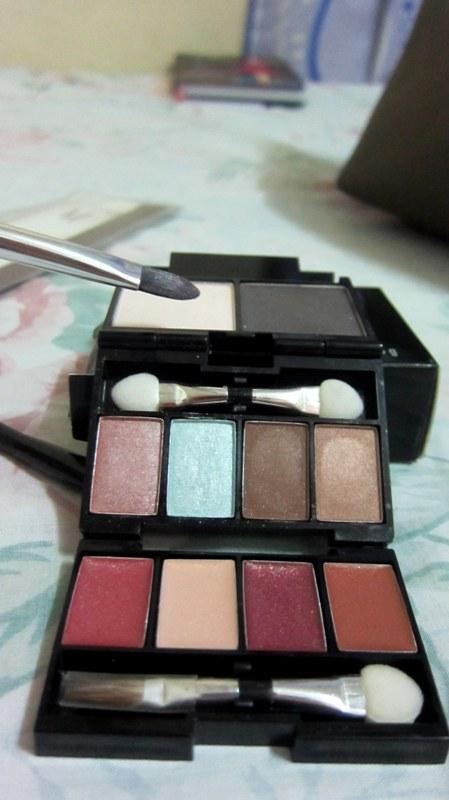 Makeover Essentials Makeup Reviews: MAKEOVER ESSENTIALS : PURSE PETITE MINIS (MAKEUP) REVIEW