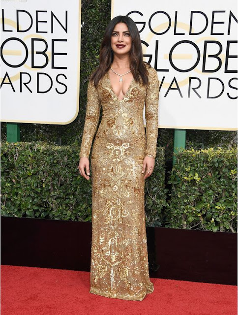 Priyanka Chopra Wear Shimmering Dress At 2017 Golden Globes