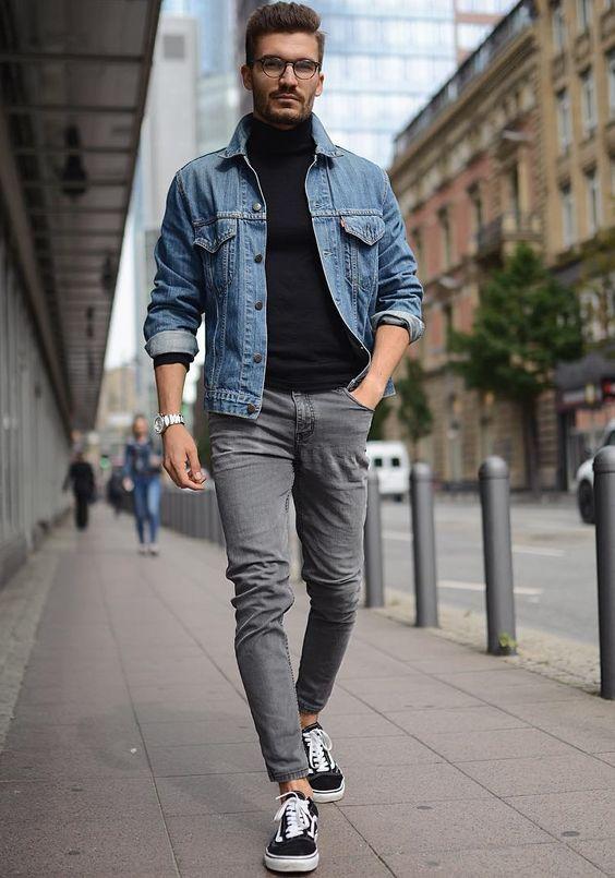 Look masculino com tênis Vans Old School e jaqueta jeans