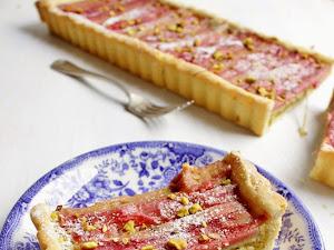 Tarte rose, rhubarbe et pistache