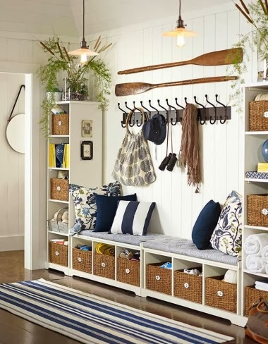 nautical entryway idea with wall oars
