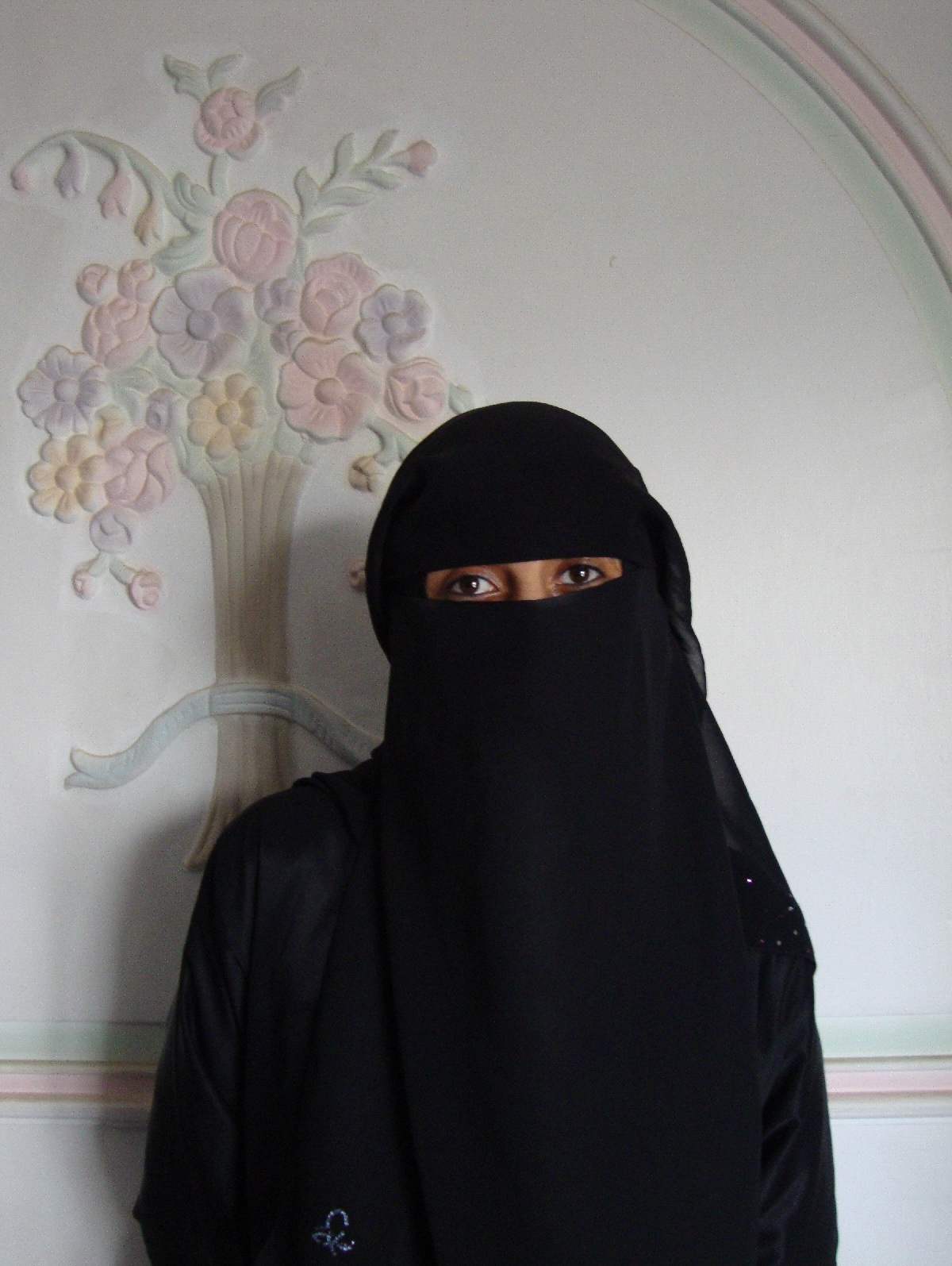 Black Burqa Styles 2012   Hijab Styles, Hijab Pictures ...
