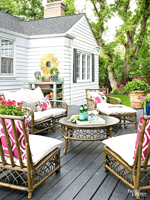 creative & cozy outdoor spaces | cozy little house