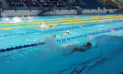 Bể bơi bốn mùa tại trường Đại học Thể dục