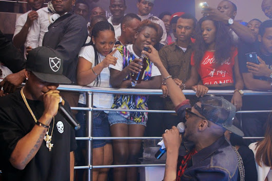 2face And Wizkid Give Out Numerous Bottles of Hennessy at #HennessyArtistry2014 Club Tour