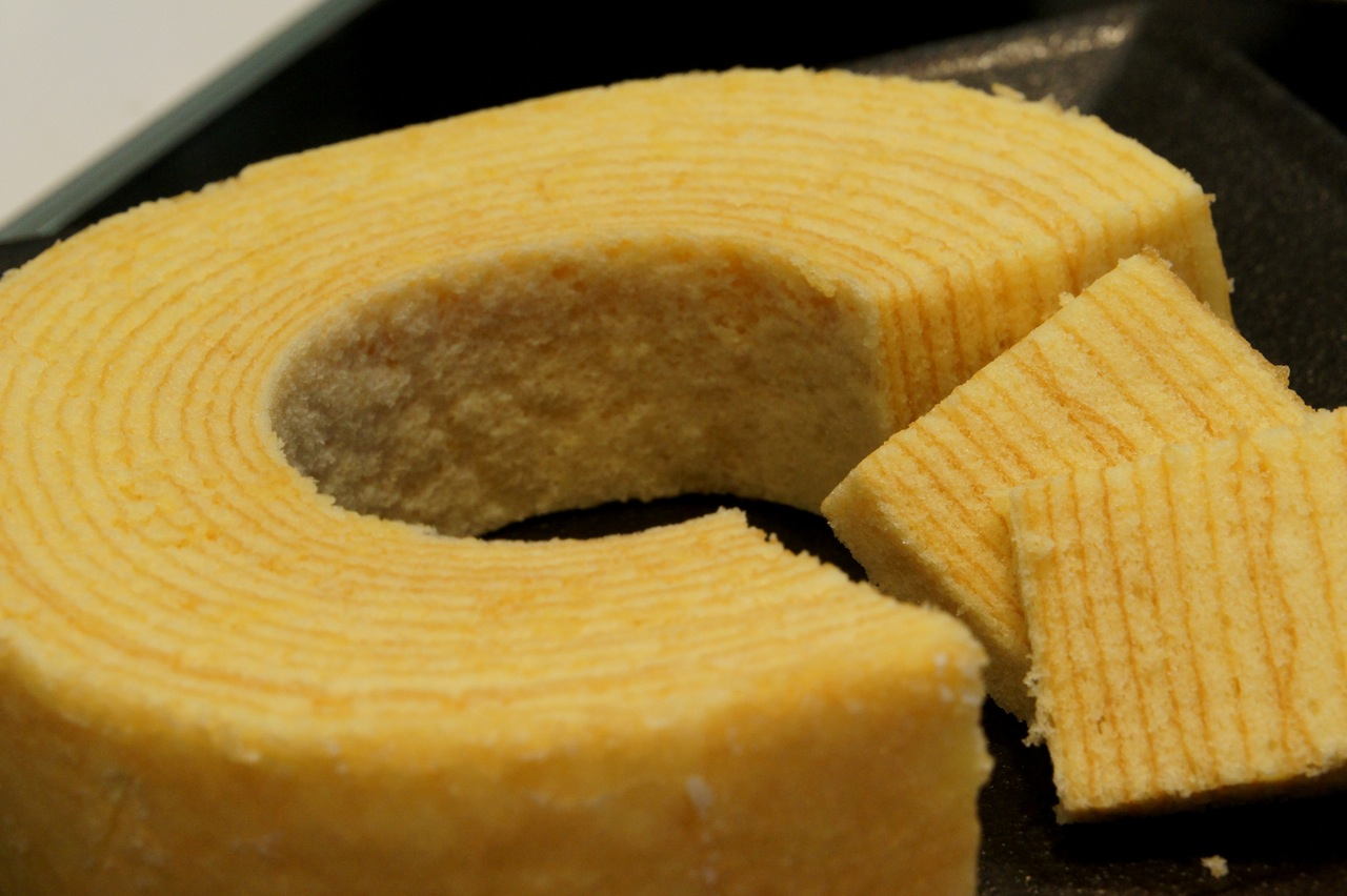 Japanese Layered Cake Recipe: A Little Different Perspective...: Cake