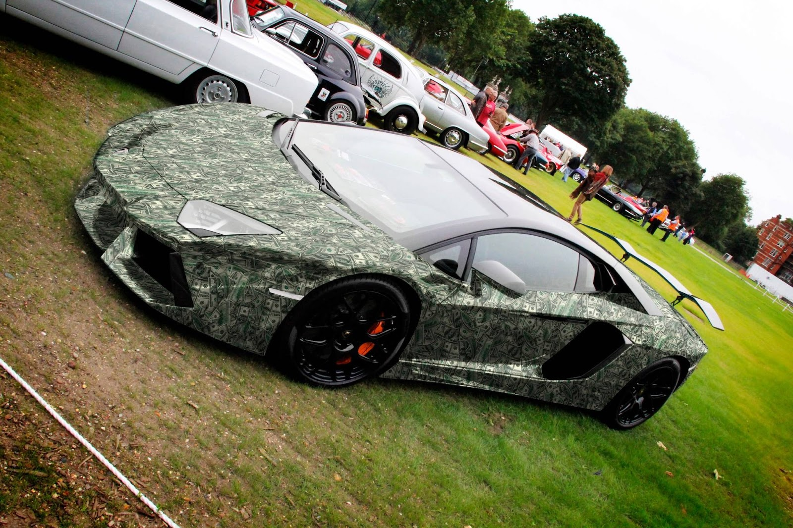 8 Million Dollar Car Wallpapers Aventador Wrapped In 100 Bills Thanks To Photoshop