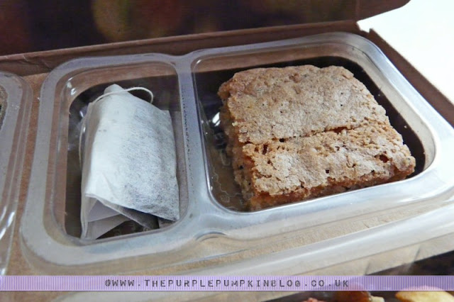 graze box review- lemon and poppy cake with afternoon tea
